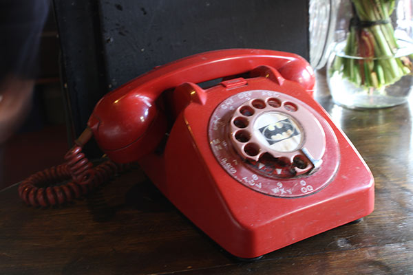 telephone-hourglass